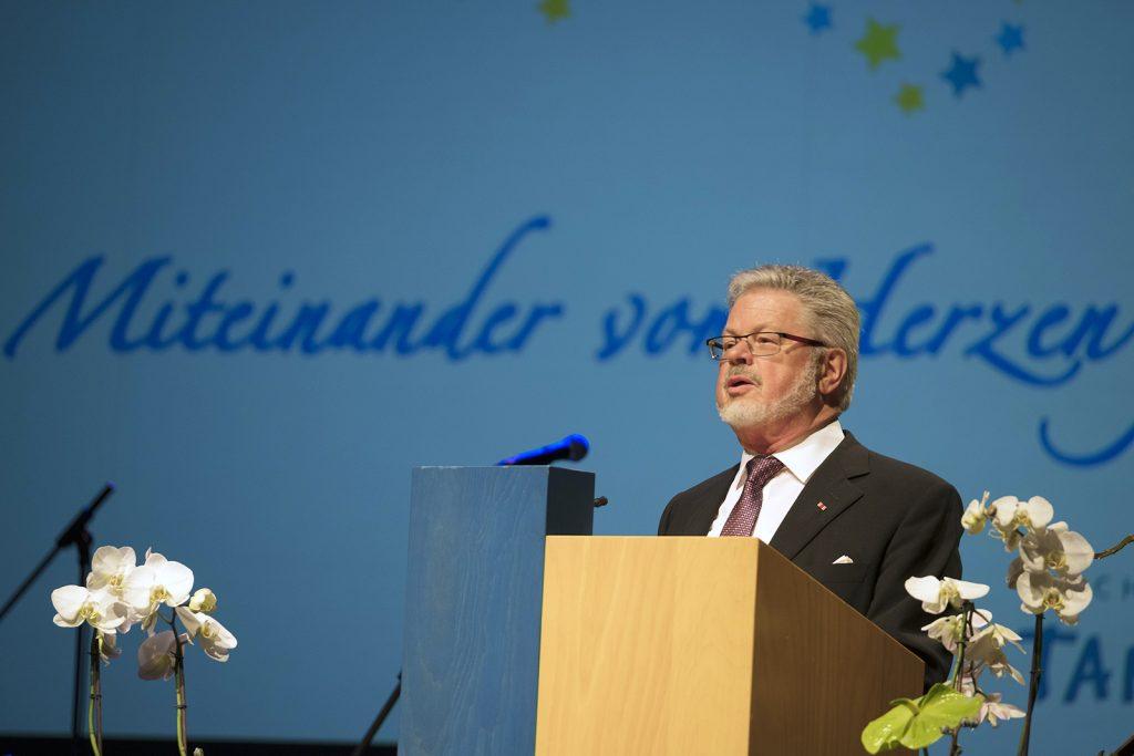 Geschäftsführer Roland Wehrle bei der Festansprache.