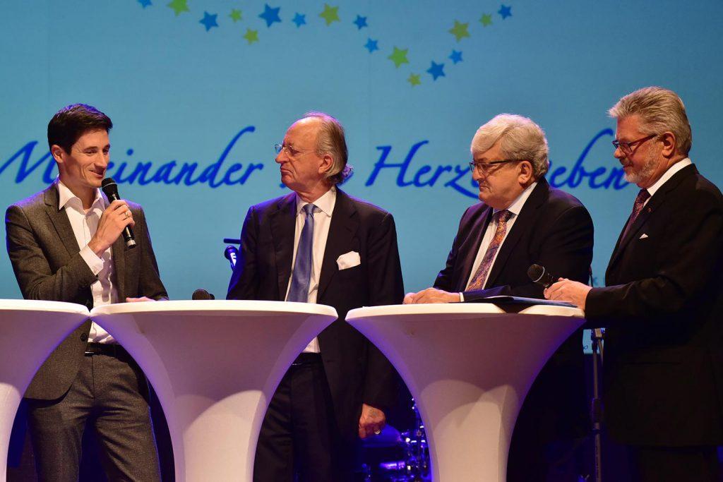 Talkrunde mit v. links Martin Schmitt, Karl Friedrich Fürst von Hohenzollern,