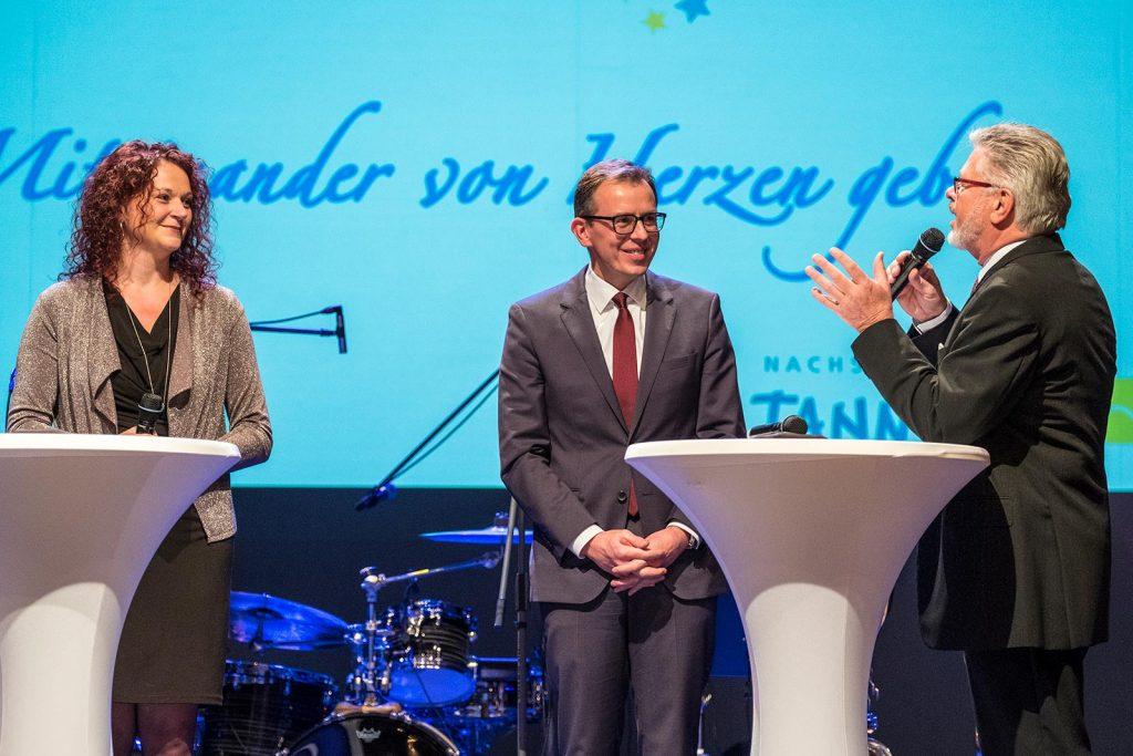 Tannheims Ortsvorsteherin Anja Keller, Landrat Sven Hinterseh und Roland Wehrle.